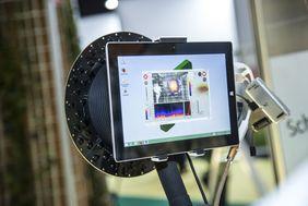 Abbildung:Eine akustische Kamera lokalisiert Schallquellen und stellt die Akustik-Ergebnisse dar.